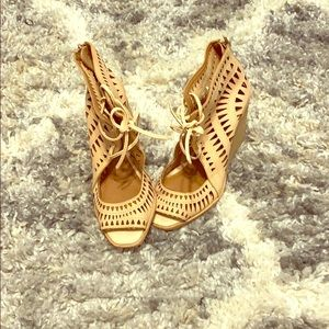 Really cute wedges!